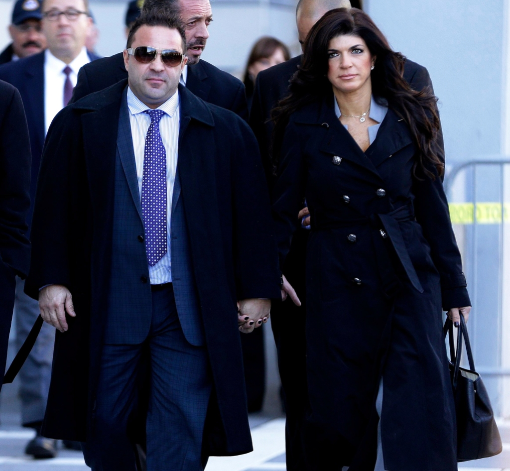 Joe Giudice granted request leave ice detention center back taly