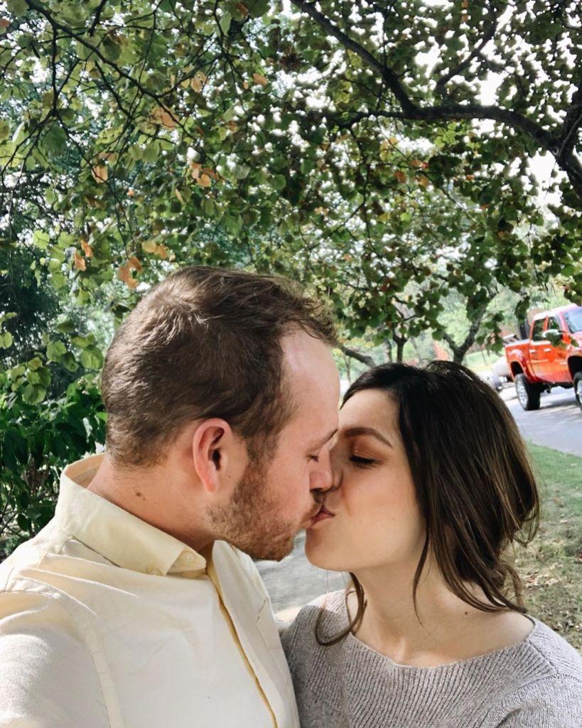 Josiah Duggar and Pregnant Wife Lauren Swanson Kiss on INstagram