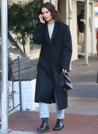 Katie Holmes Is All Smiles While Talking on the Phone Post-Jamie Foxx Split