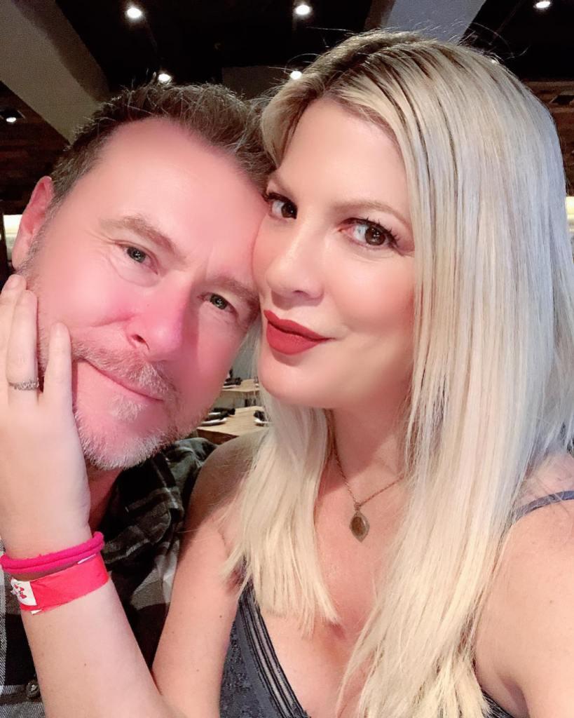 Tori Spelling Taking a Selfie With Dean McDermott