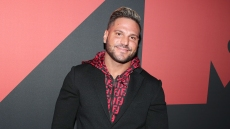 ronnie ortiz magro wears red pants, a black and red print button down shirt and a black blazer on the 2019 mtv vmas red carpet ronnie ortiz magro releases statement after arrest