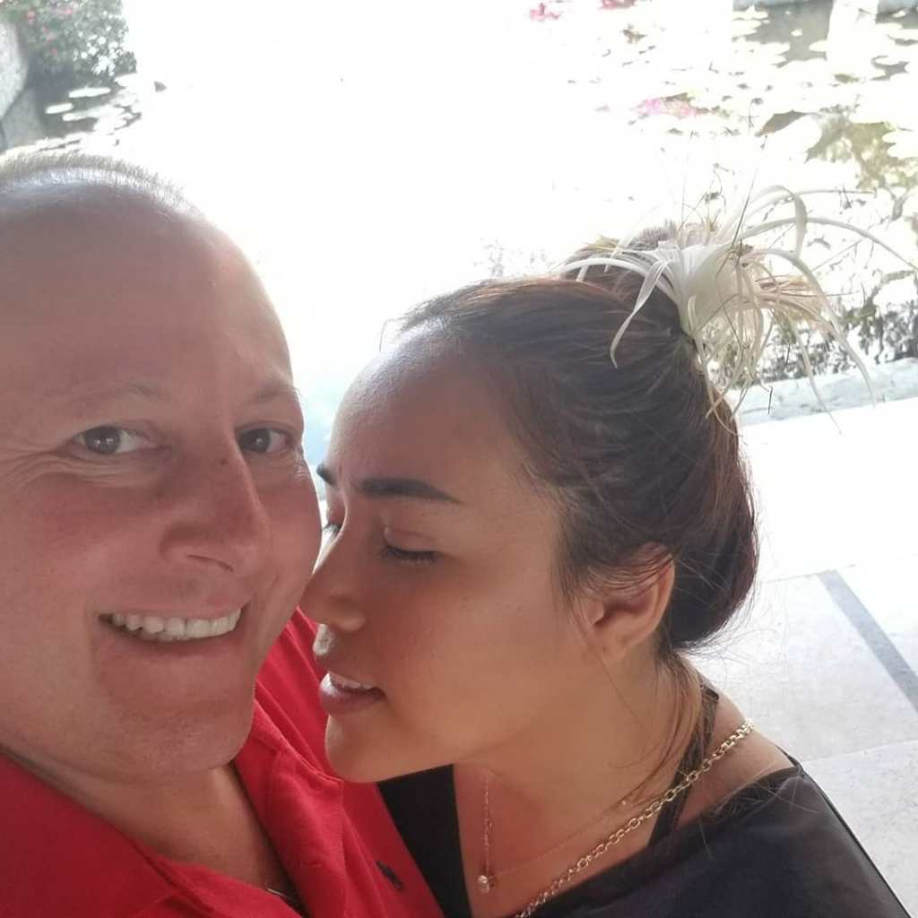 90DF Annie Gushes Over David on Anniversary