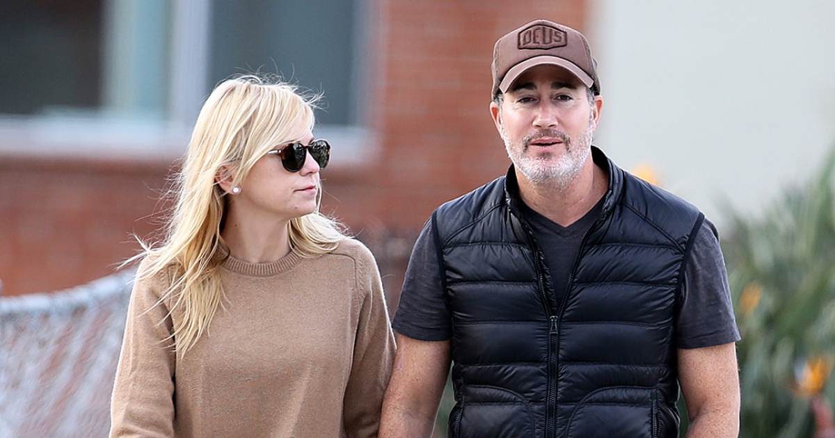 Anna Faris Engaged to Michael Barrett After 2 Years of Dating