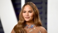 Chrissy-Teigen-airpod-tweets-2