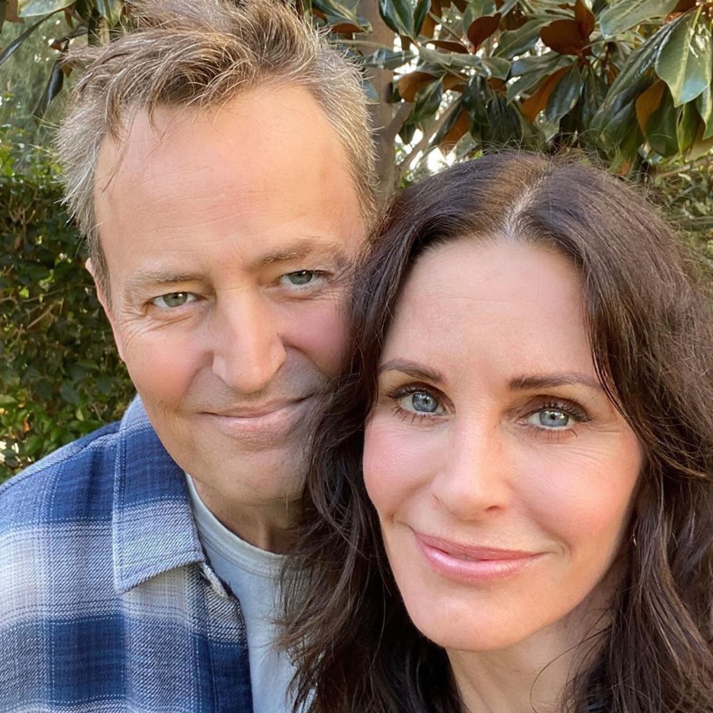 Courteney Cox and Jennifer Aniston Are 'Trying to Persuade' Matthew Perry to Join Instagram