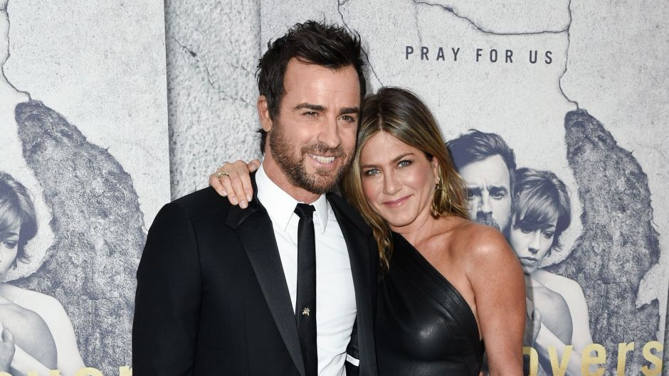 Jennifer Aniston and Justin Theroux Smiling on Red Carpet