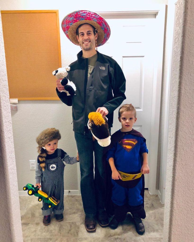 Jill and Derick Dillard Slammed for Getting Kids 'Freebies' on Halloween