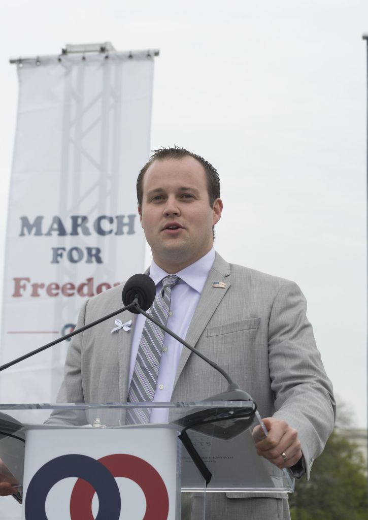 Josh-Duggar-resigns-from-his-postion-at-the-Family-Reseach-Council-in-April-2015