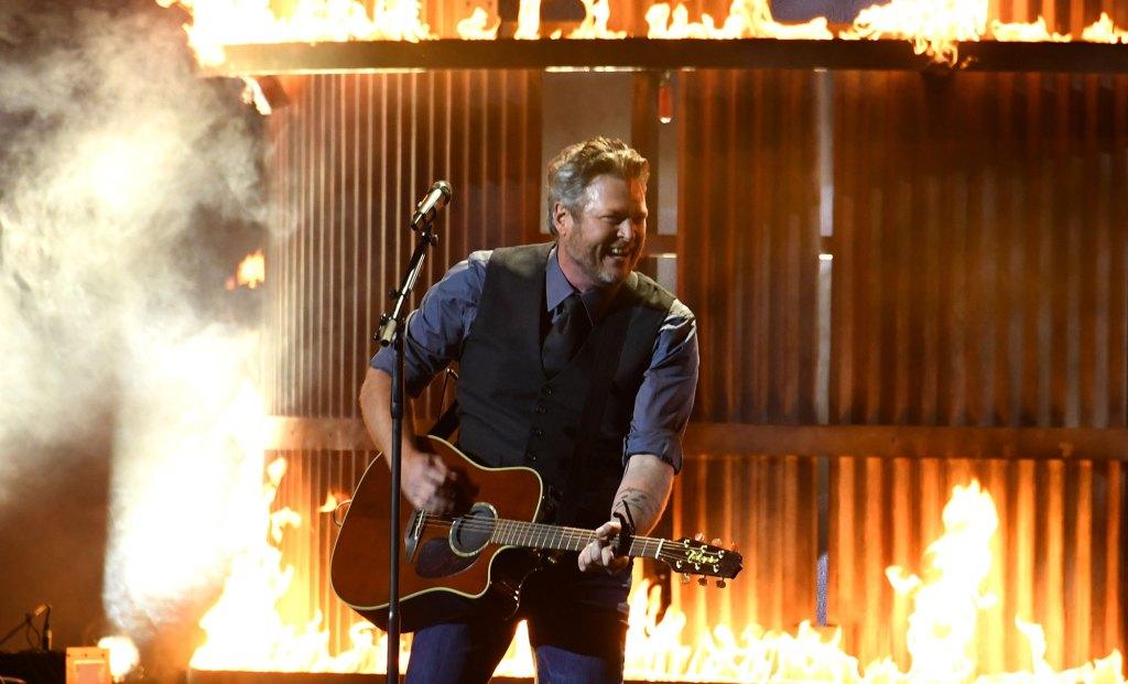 Miranda Lambert 'Wasn't Paying Attention at All' to Ex Blake Shelton's CMAS Performance
