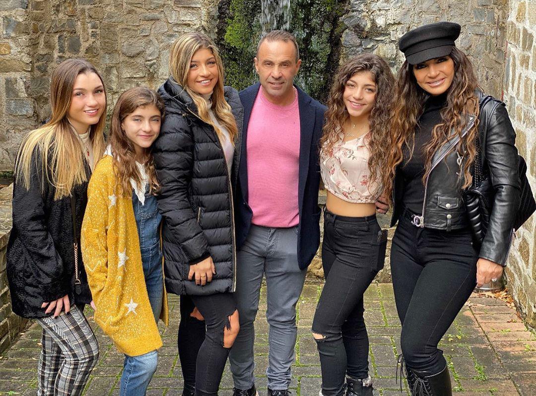 'RHONJ' Star Joe Giudice Shares Family Photo With Teresa and Their Daughters: 'Italian Strong'