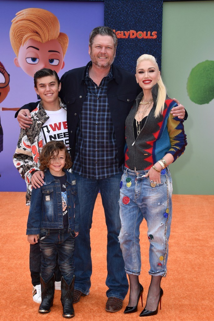 Gwen Stefani Blake Shelton and Kids On Red Carpet