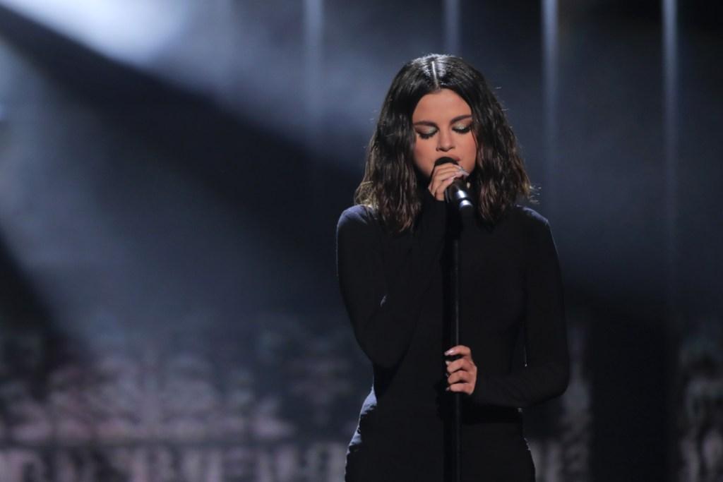 Selena Gomez Wearing a Black Shirt at the AMAs