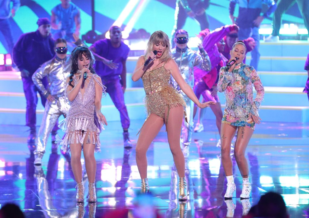 Taylor Swift 2019 AMAs Performance With Halsey and Camila Cabello