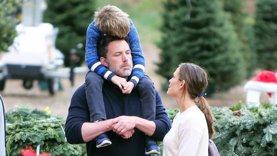 Ben Affleck Jennifer Garner Christmas Tree Kids