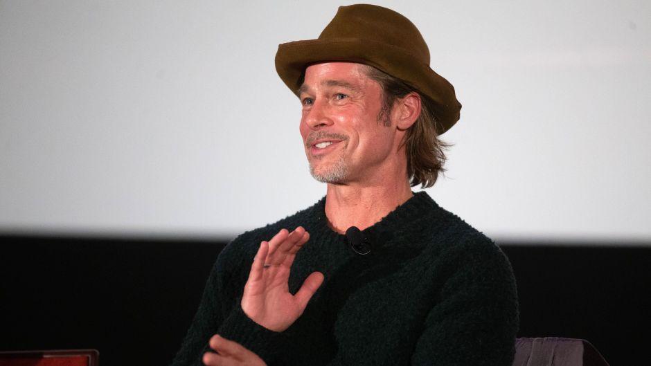 Brad Pitt Wearing a Hat