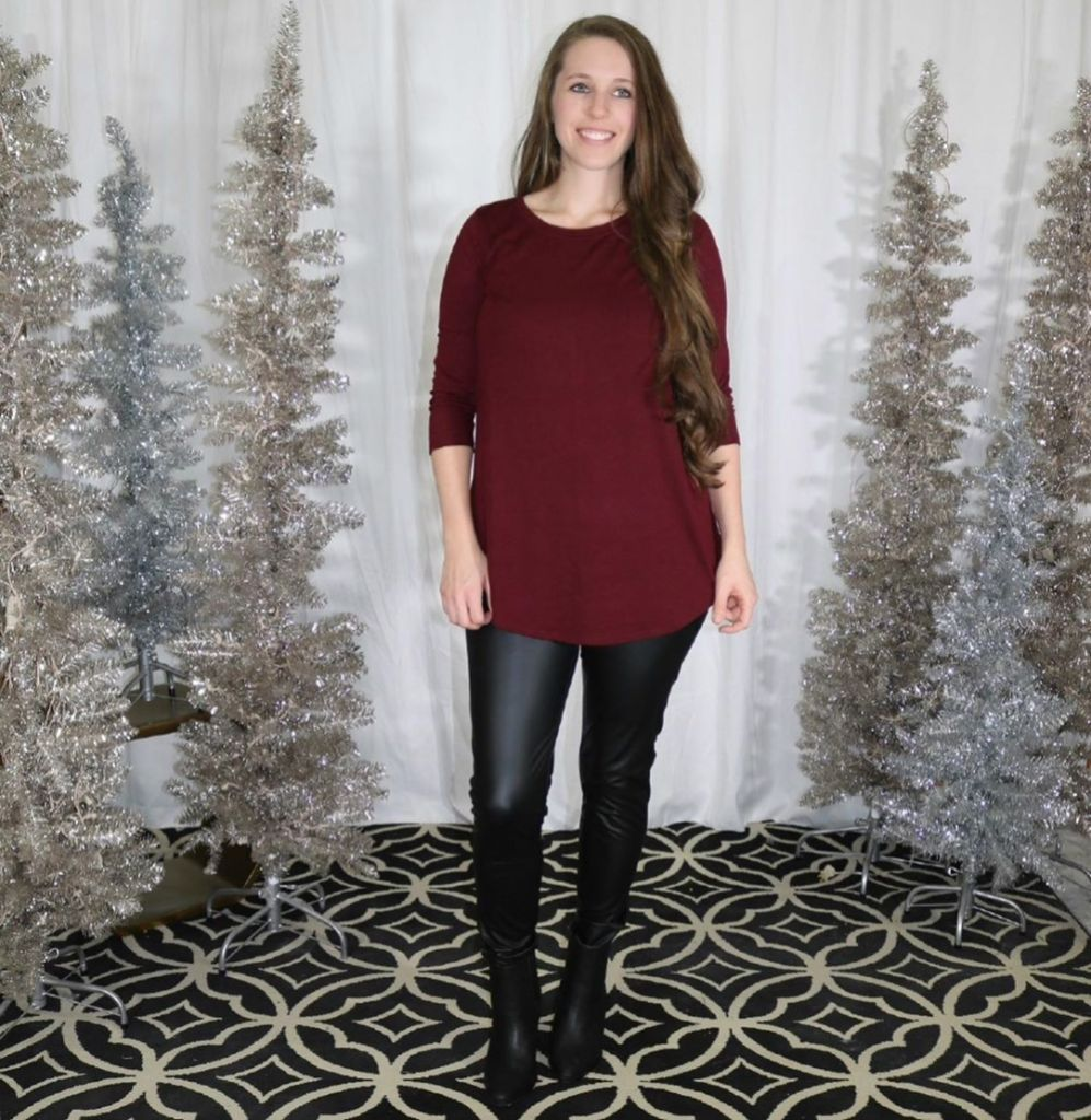 Jill Duggar Models Leather Leggings For Amy Duggar