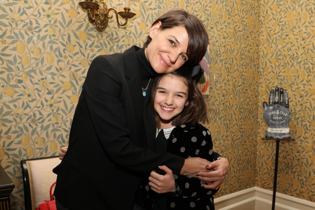 Suri Cruise and Katie Holmes Hugging at an Event