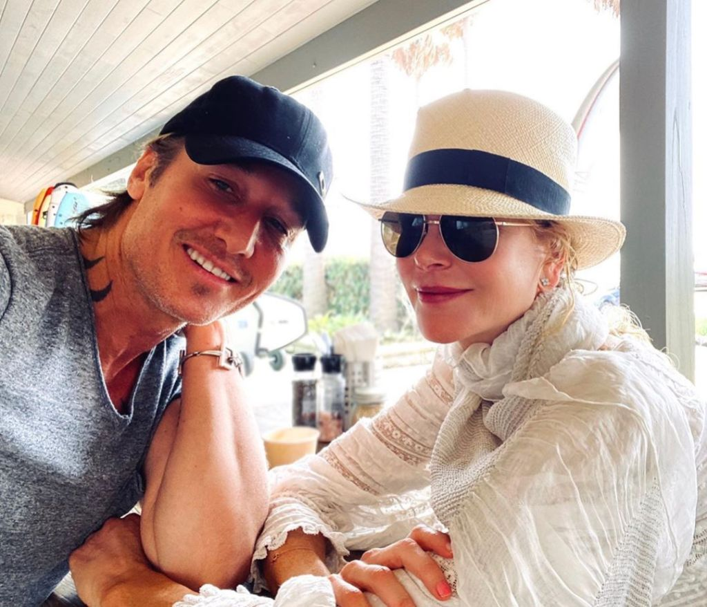 Nicole Kidman Wearing a Hat and Sunglasses in Sydney With Keith Urban