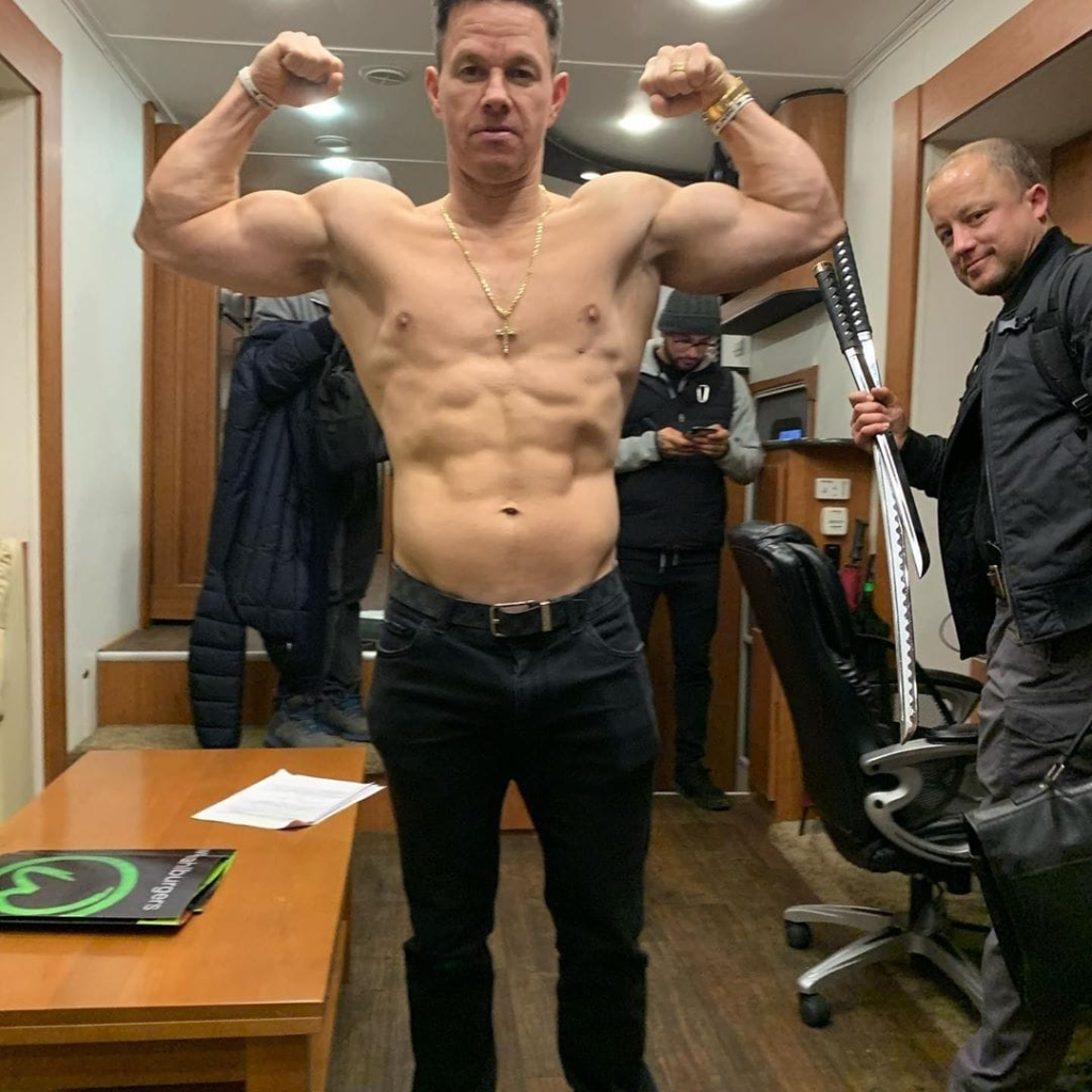 Mark Wahlberg Diet: See Weight Loss Progress in Shirtless ...