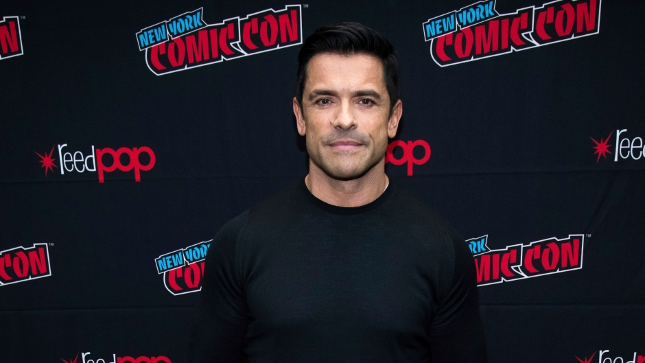 mark consuelos almost loses his cool at his son joaquin's wrestling match