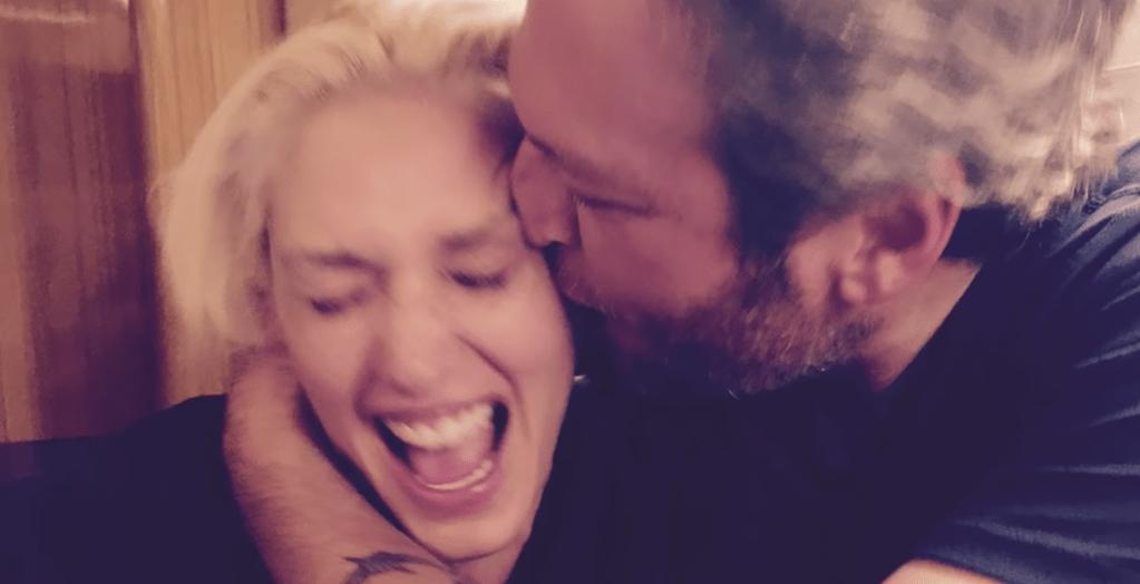 Gwen Stefani and Blake Shelton in their Video