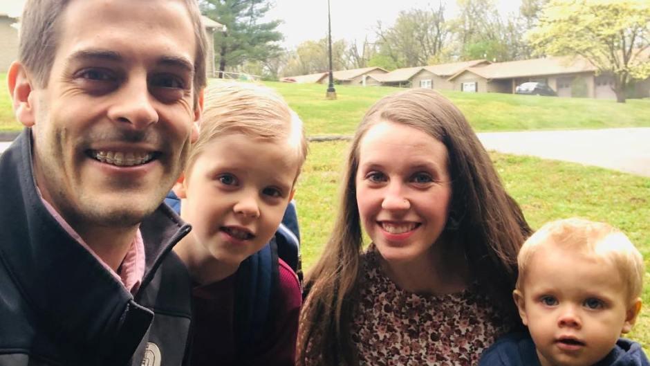 Derick Dillard Takes Selfie With Family