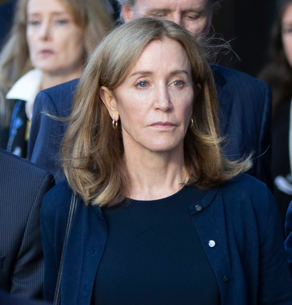 Felicity Huffman at Federal Courthouse in Boston.jpg