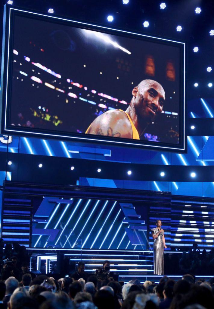 Alicia Keys Honors Kobe Bryant at the 2020 Grammys