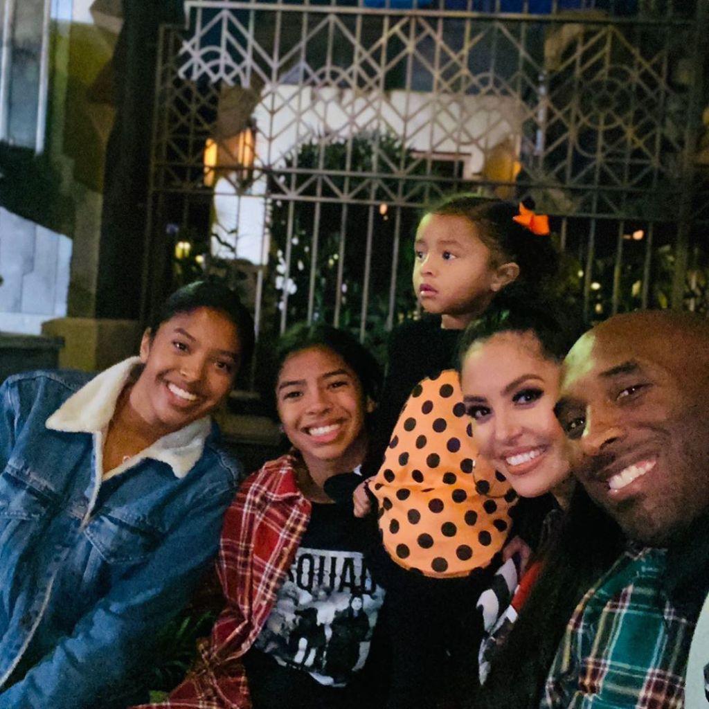 Vanessa Bryant With Kobe and Her Kids