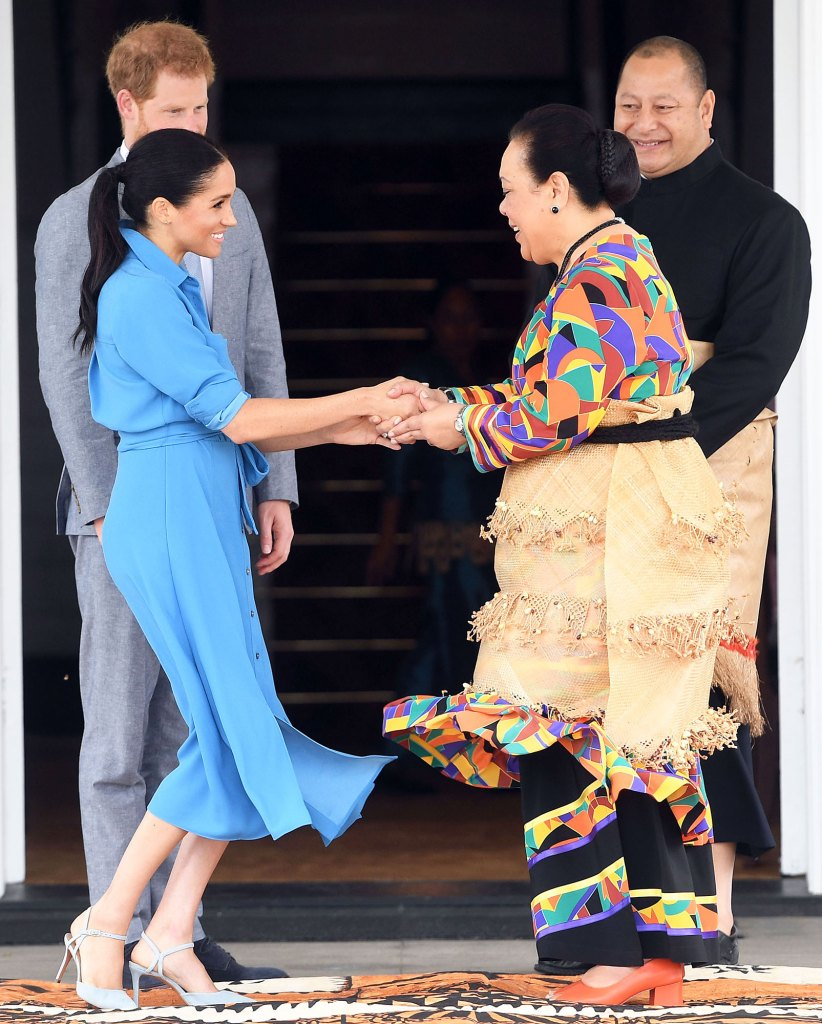 Meghan Markle Curtsying in Tonga Meghan Markle Thought Curtsying Was Ridiculous Before Canada Move