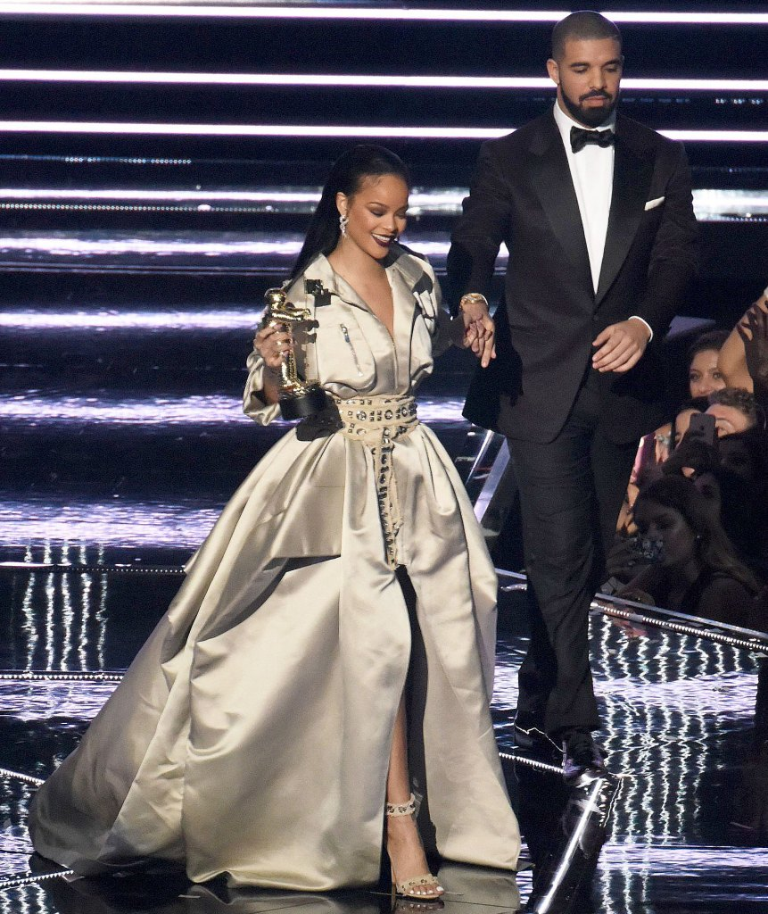 Rihanna Always Flirted With Idea Relationship With Drake After Reuniting NYC