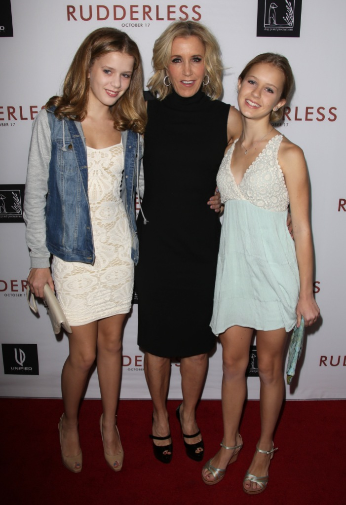 Felicity Huffman With Her 2 Daughters on a Red Carpet