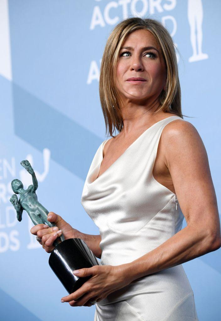 Jennifer Aniston Wins SAG Award