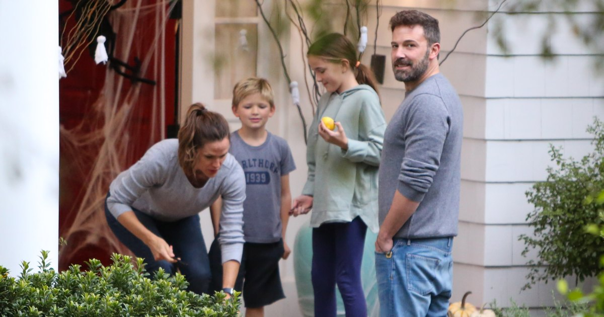 Ben Affleck Doesn't 'Want to Miss' Moments With His Kids ...