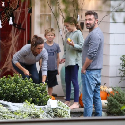 Ben Affleck With Jennifer Garner on Their Front Porch