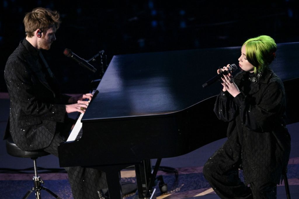 Billie Eilish and Finneas Performing 2020 Oscars In Memoriam