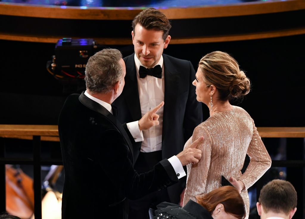 Bradley Cooper Was 'Schmoozing His Way Through the Room' on Oscars Night: 'He Was Like a Magnet' inline