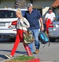 Blake Shelton With Gwen Stefani at a Game