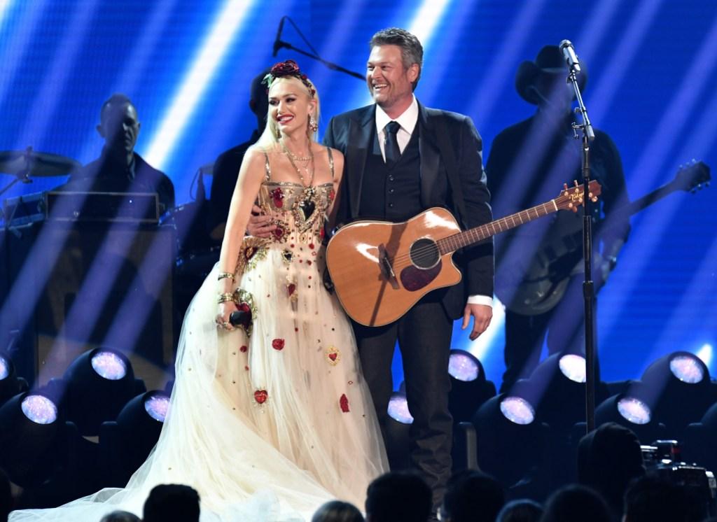 Blake Shelton on Stage Wtih Gwen Stefani at the 2020 Grammys