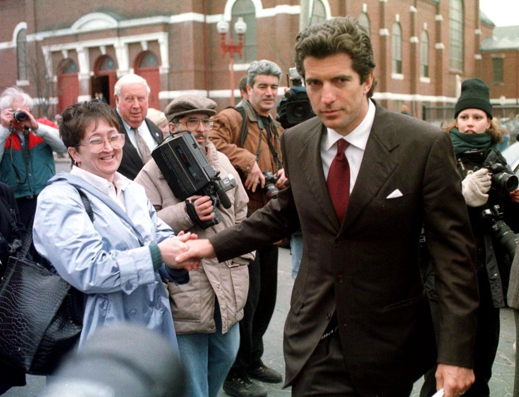 JFK Jr. Could 'Lose His Temper' ... But Was He Capable of Writing a Death Threat to a Politician? inline 3