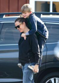 Jennifer Garner With Samuel on Her Back