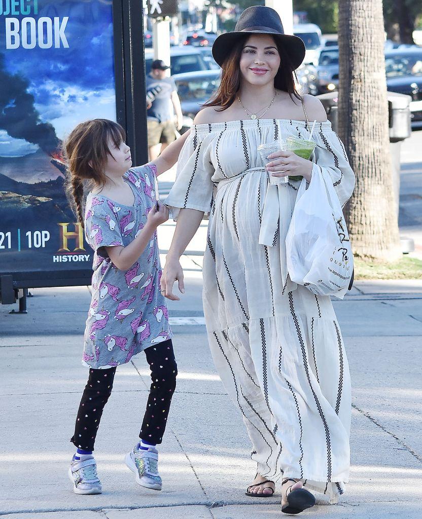 Jenna Dewan Wearing Stripes With Everly