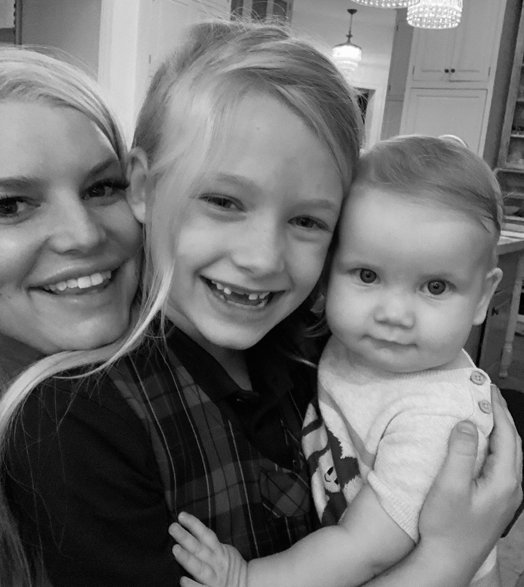 Jessica Simpson Smiling With Her 2 Daughters
