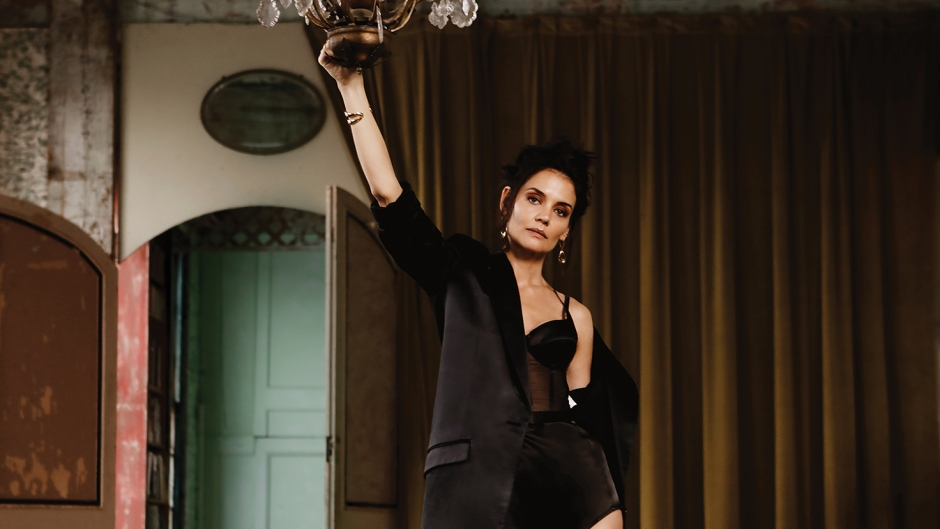 Katie-Holmes-Looks-Sultry-in-Lingerie-Shoot-Flaunt-Magazine