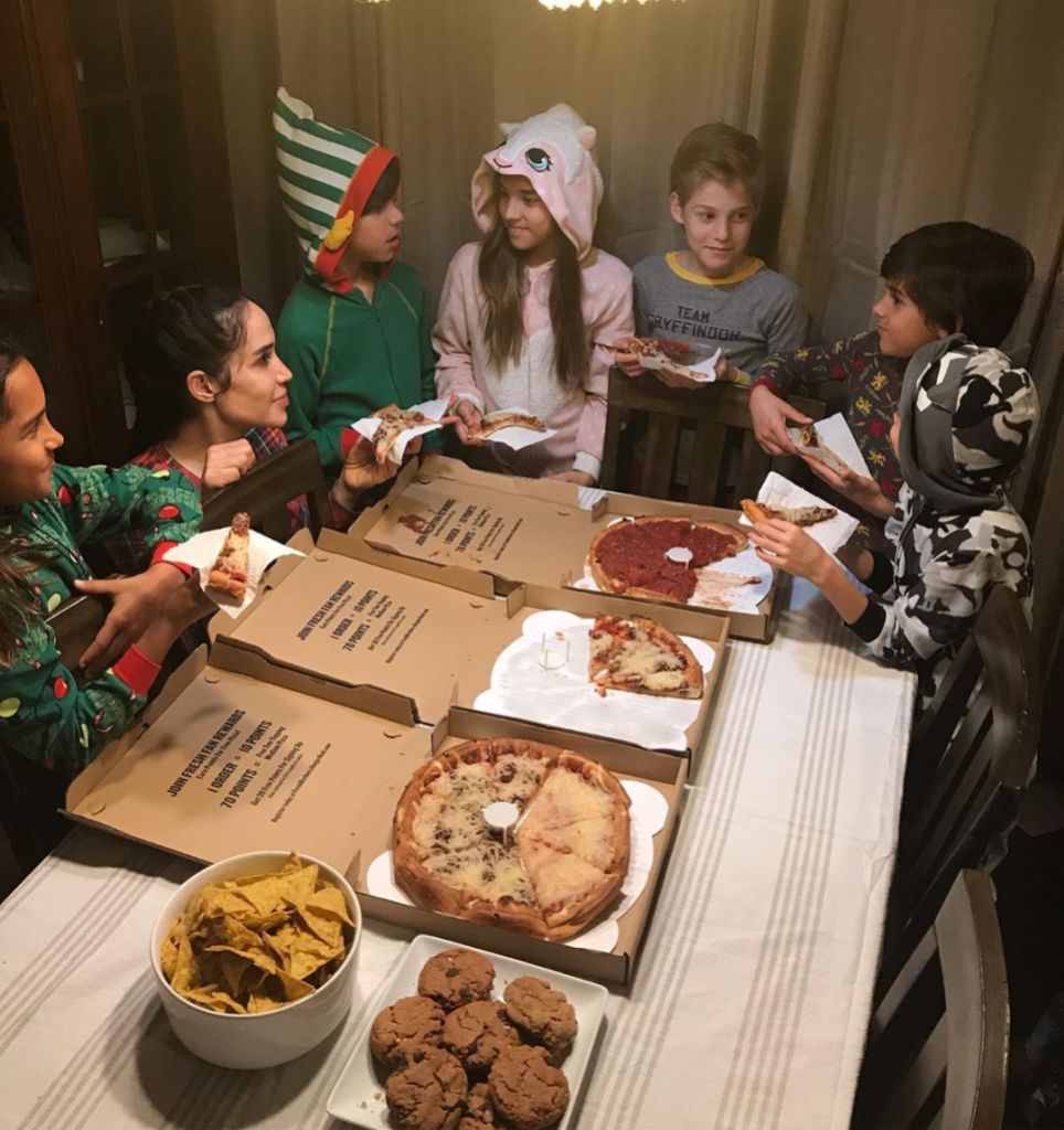 'Octomom' Nadya Suleman Offers a Glimpse of a Pizza Party With Her 14 Kids inline 1