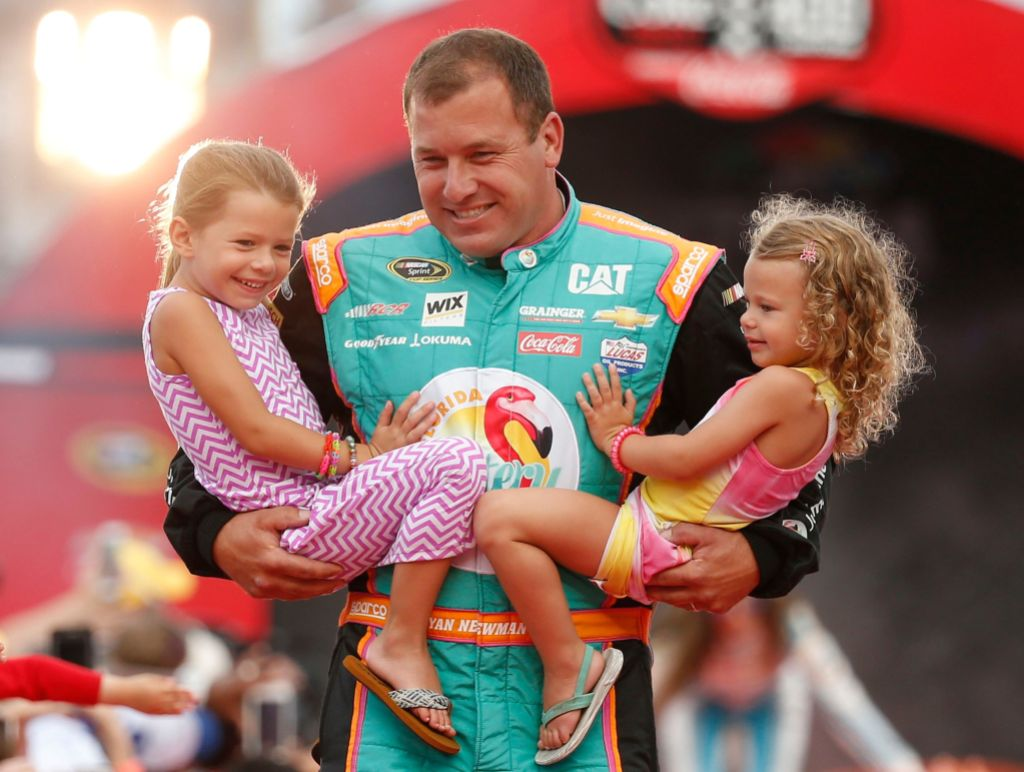 Ryan Newman With His 2 Children