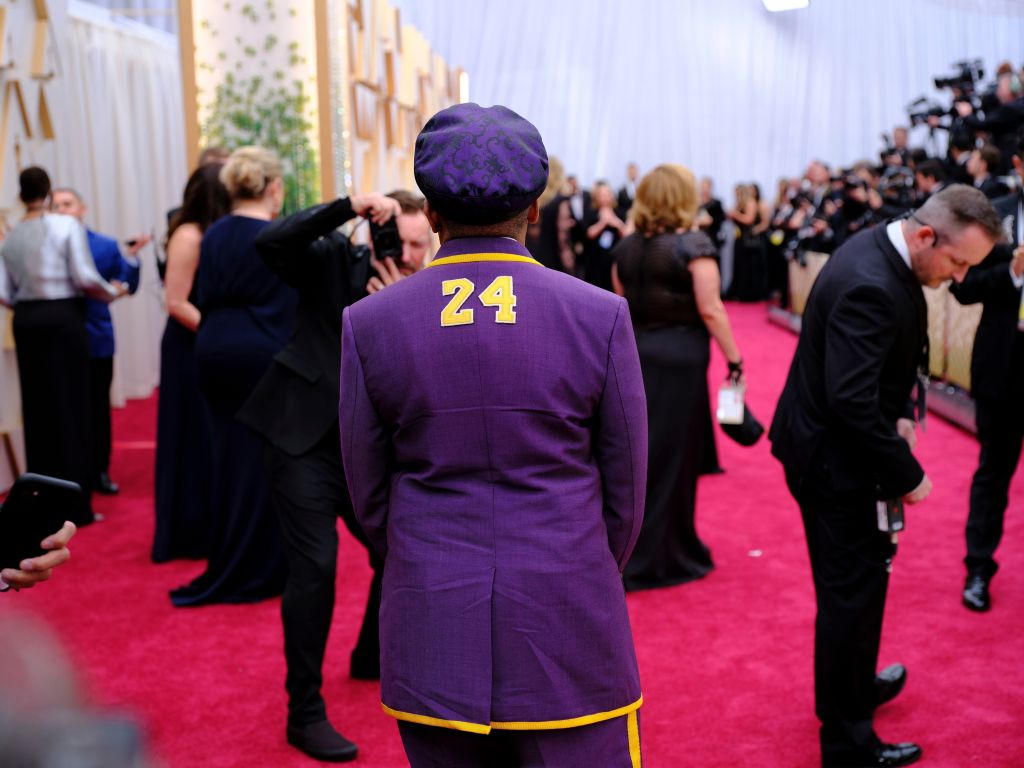 Spike Lee Wears No. 24 Lakers Suits at 2020 Oscars