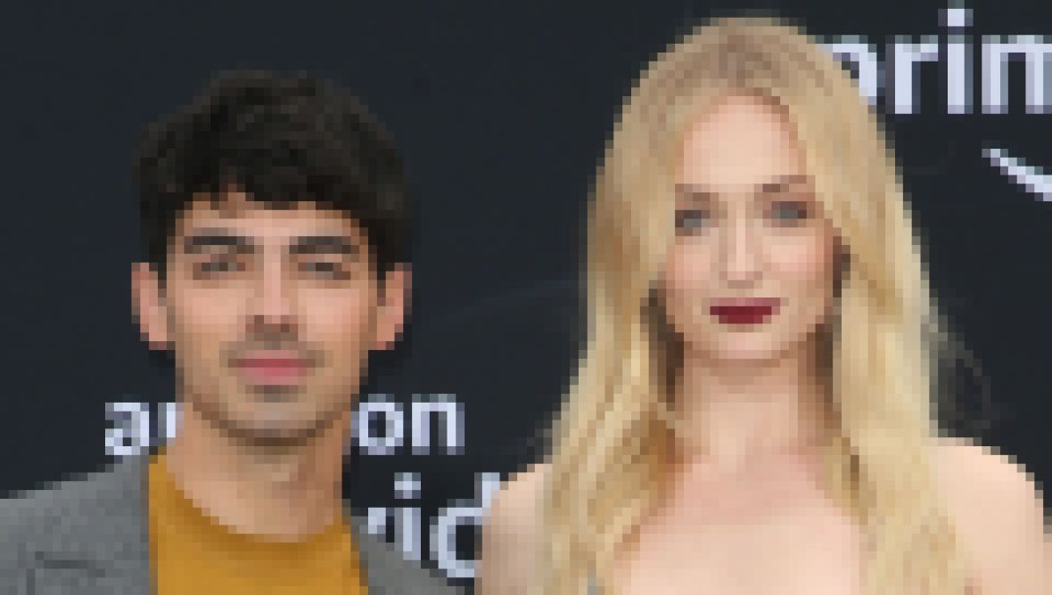 sophie turner and joe jonas at the chasing happiness premiere