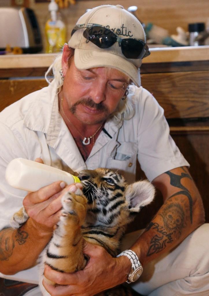 joe-exotic-feeding-cat