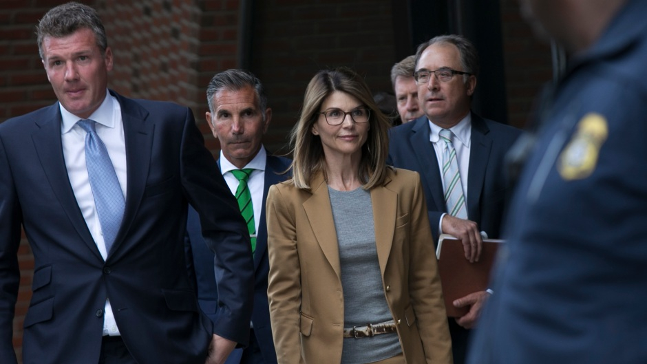 Lori Loughlin Wears Tan Suit and Glasses Walking into Court With Her Lawyers